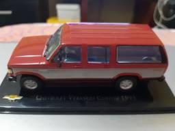 Miniatura Chevrolet Veraneio / D20