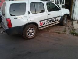 Vendo xterra 2004/5 insenta de IPVA carro a toda prova 5 pneus novos