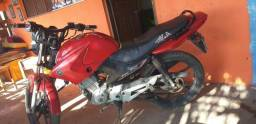 Moto pra vende ligeiro ou troca em outra maio do mesmo valor moto 4000 reais