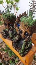 Vaso decoração Groot com Suculenta