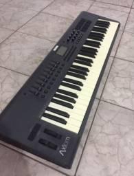 Controlador M-Audio Axiom 61