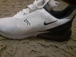 Tênis da Nike novo usado uma vez