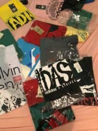 Caixa com 20 camisetas