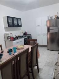 Vende-se uma casa, sendo 3 laje em Taipas
