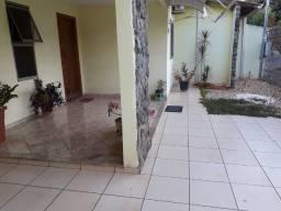Casa com piscina, Sta Cruz/ aceitamos casa como parte pgto
