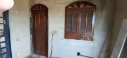 Porta e janela de madeira