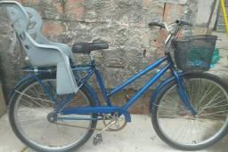 Estou vendendo está Bicicleta Poti azul com cadeirinha e tudo