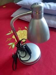Luminária de mesa nova nunca usada vender logo