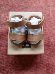 Sandália baby tigor na caixa