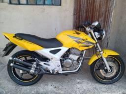 Twister 2008 ac troca por moto de menor valor.