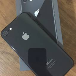 iPhone 8 64 gigas novo