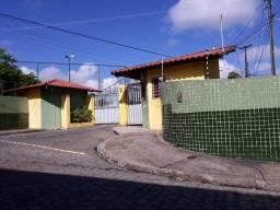 Vendo Apto 2/4 no Antares em condomínio fechado