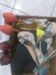 Caixa de sapatos para brechó