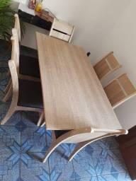 Vendo mesa valor de R$ 750,00