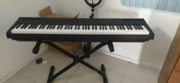 Piano digital Yamaha P115