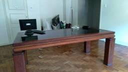 Vendo mesa em madeira nobre( mogno)