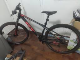 Bicicleta Aro 29 MTB GT AVALANCHE SPORT 27V 2018