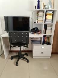 Vendo escrivaninha com estante