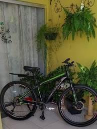 Bike equipada de primeira