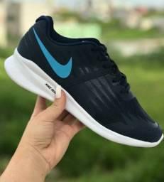 Nike azul consulte pontuação disponível