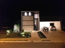 Casa a venda em condomínio fechado em Goiânia