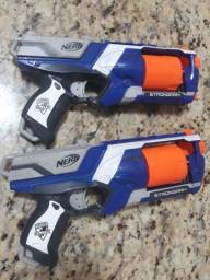 2 armas de brinquedo nerf