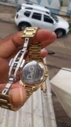 Vendo relógio da marca D &G