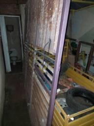 Vende-se um portão por r$ 1000 já do pintado a qualquer pessoa quer