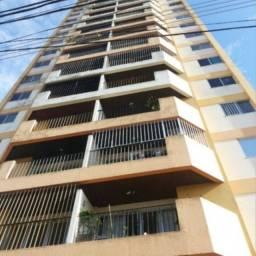 JH Vende confortável apartamento no ed. Safira no centro de Belém