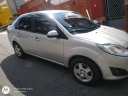 Fiesta 1.6 Zetec Rocam sedan SE