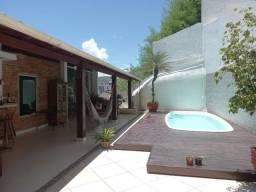 A RC+Imóveis vende casa com projeto moderno no centro de Três Rios - RJ