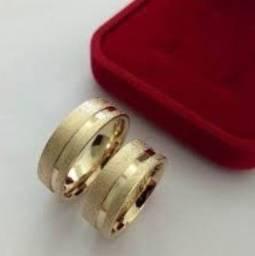 Par de alianças banhadas a ouro 18K