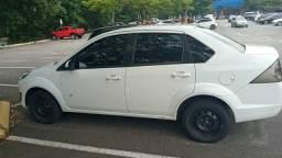 Fiesta sedan 1.6 2014 Baixo Km