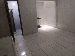 Aluga-se apartamento (Térreo) com 2 quartos - Santa Rosa - Campina Grande