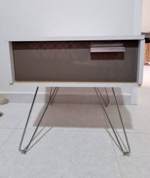 Mesa lateral / cabeceira