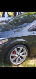 Vendo roda 17 com pneus perfil 205 40 por 2.200