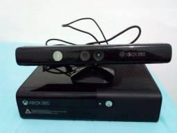 Xbox 360 com 7 Jogos e Kinect
