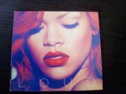Álbum Loud (Sem Encarte)