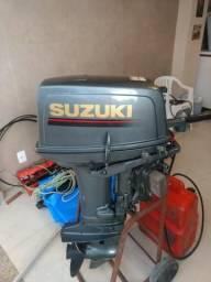 Motor Popa Suzuki 30 HP semi novo
