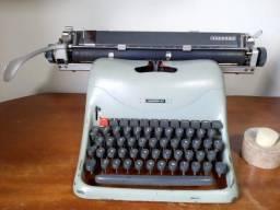 Máquina de Escrever Olivetti Lexicon 80 Funcionando tudo - Raridade