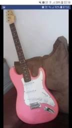 Guitarra condor rosa