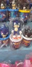 Lindos jogos de copo e boneco Sonic