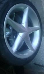 Jogo de rodas 18 furaçao 5x100 com pneus