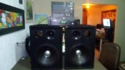 Temos mais conjuntos e periféricos de som profissional ou mini system.( KIT 05 )