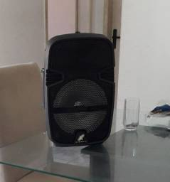 Caixa de som com apenas um mês de uso