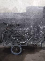 Triciclo e bicicleta