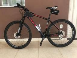 Bicicleta usada 2 vezes Aro 29, 27 marchas e quadro 19