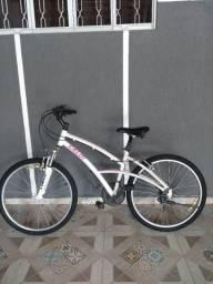 Bicicleta Caloi feminina em ótimo estado (barato)