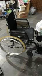 Cadeira de Rodas Confort ( semi nova)