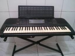 Teclado musical Yamaha psr 630